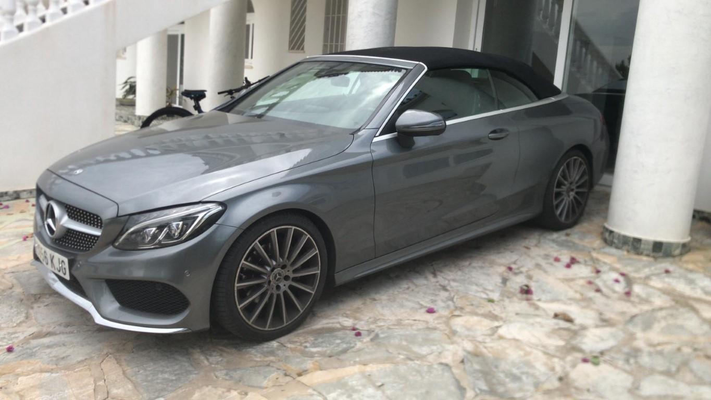 Mercedes-220C.jpg (171 KB)