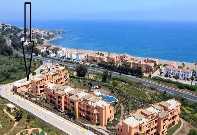 Commercial - Casares Playa